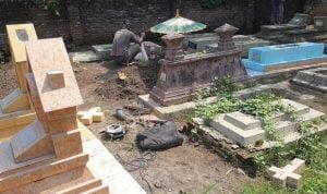 Makam Nasrani di Rusak